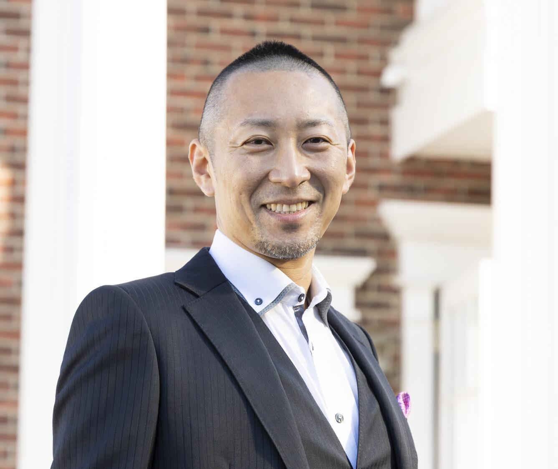 岩崎智之代表取締役